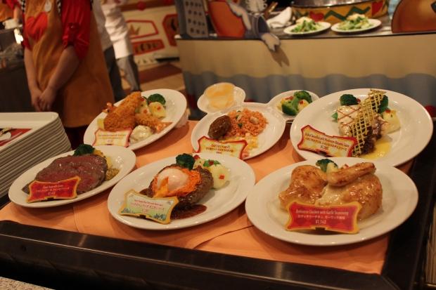 plastic food display