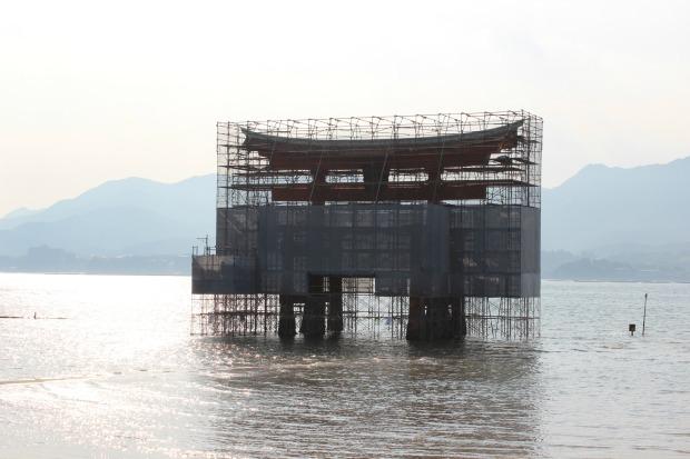 miyajima itsukushima shrine floating torii