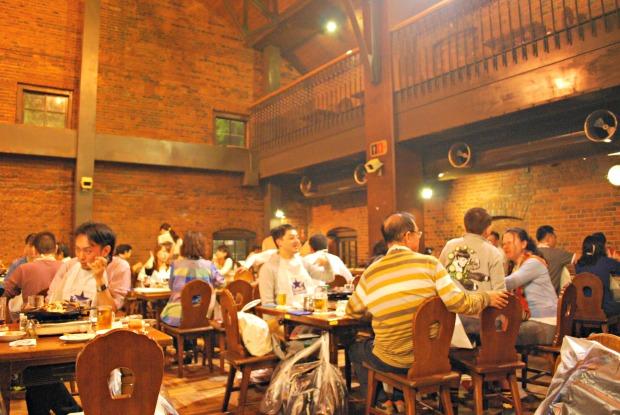 sapporo beer garden interior 1