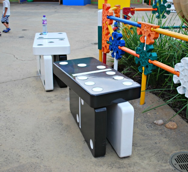 domino benches
