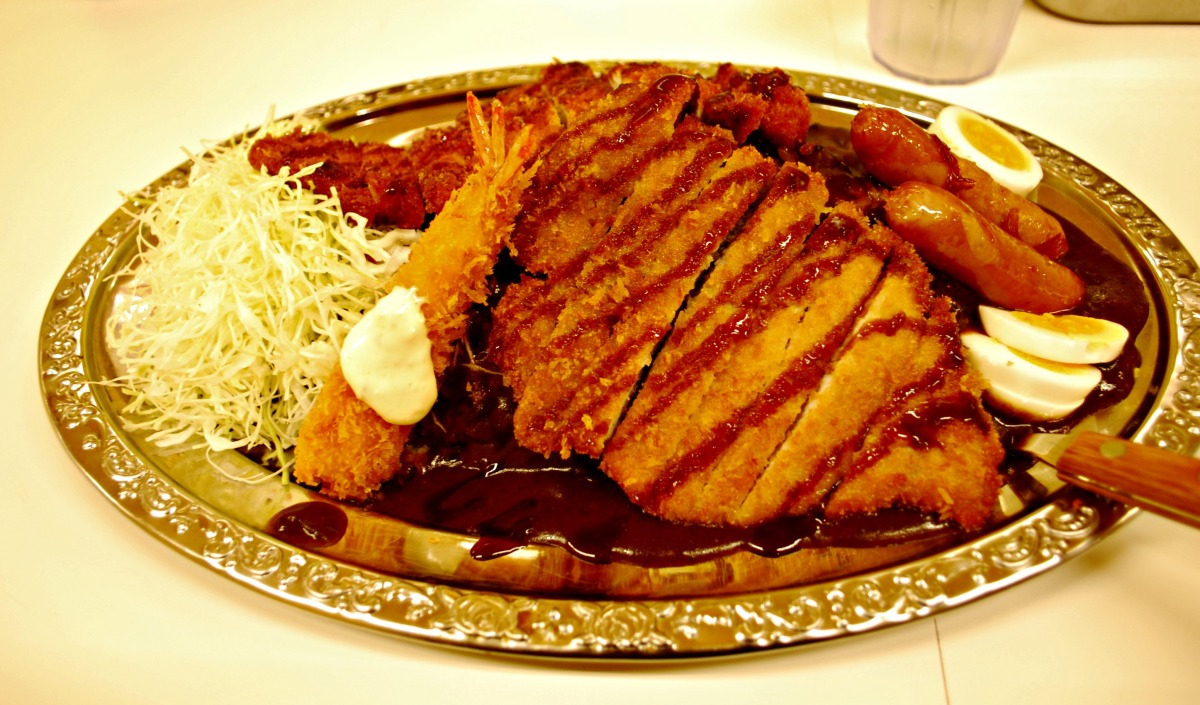 {Japan: Eat} A 'Topping' Good Time At Go! Go! Curry! In Sendai