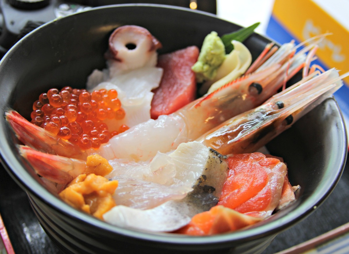 {Japan: Eat} A Seafood Breakfast At Sapporo's Nijo Fish Market