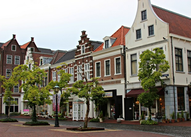 huis ten bosch more stores 2