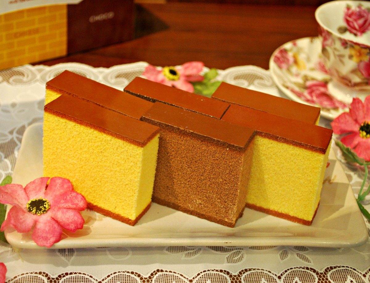 {Japan: Eat} Castella Is All Around in Nagasaki, Kyushu